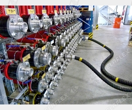 Tank storage: manifold with DDC Dry Disconnect Couplings, TW hose assemblies